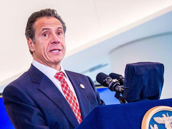 Губернатора Нью-Йорка обвинили в сексуальных домогательствах: «Щупал и целовал»