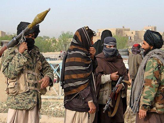 «Кнут и пряник» талибов: какие порядки насаждают боевики в Афганистане