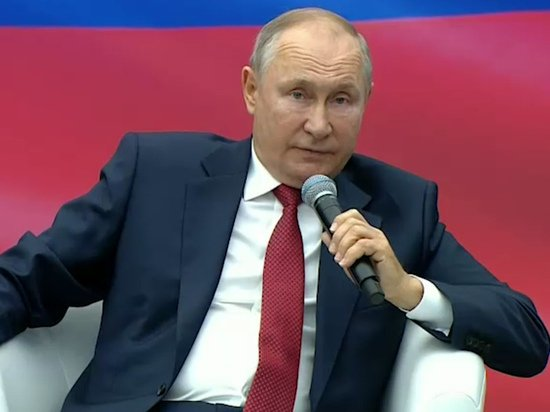 Путин призвал выплатить пенсионерам еще по 10 тысяч рублей