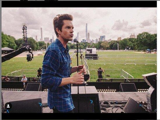 Группа The Killers выступила из гримерки после отмены концерта