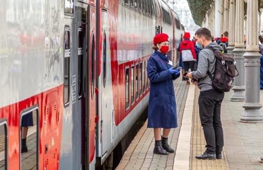 Протаранивший грузовик под Калугой поезд прибыл в Москву