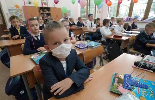 57% россиян дарят детям подарки на День знаний