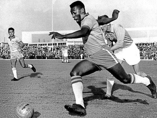 Легенда футбола Пеле экстренно госпитализирован в Сан-Паулу