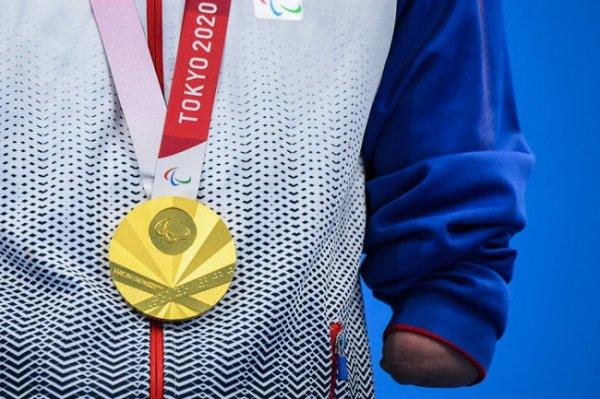 Сборная РФ вышла на второе место в общем зачете Паралимпийских игр