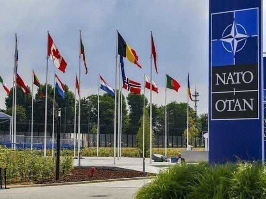 США дистанцировались от вопроса о вступлении Украины в НАТО