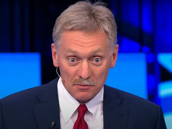 Кремль пообещал рассмотреть поправки по иноагентам