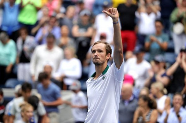 Медведев вышел в 1/8 финала Открытого чемпионата США по теннису
