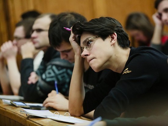 Российским вузам предсказали массовый переход студентов