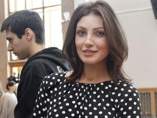 «Настя уже была в коме»: муж актрисы Макеевой сообщил о госпитализации