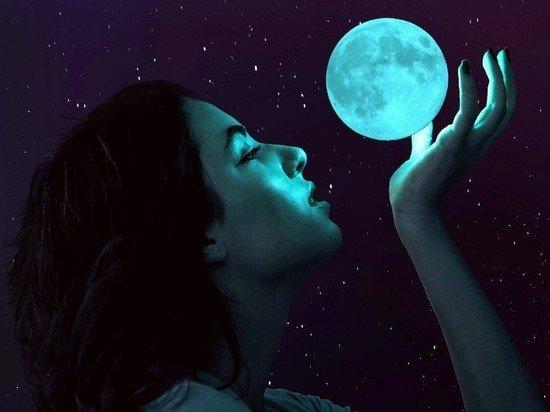 Двум знакам зодиака предсказана суперудача на неделе пророческого новолуния