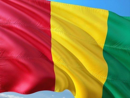 Военные мятежники арестовали президента Гвинеи