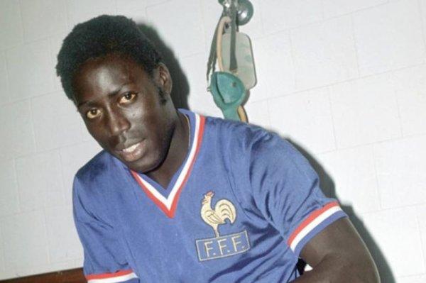 Бывший футболист сборной Франции умер после 39 лет комы