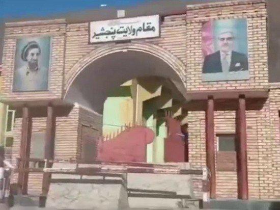 Талибы осквернили могилу «Панджшерского льва» Ахмад Шаха Масуда