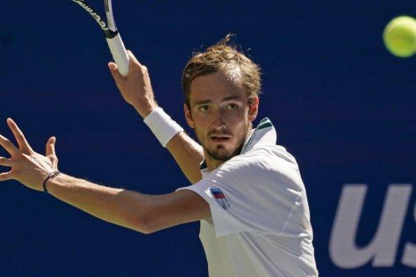 Медведев пробился в полуфинал US Open