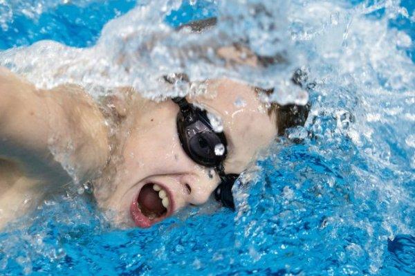 К 1 октября будет готова программа по обучению детей плаванию на открытой воде
