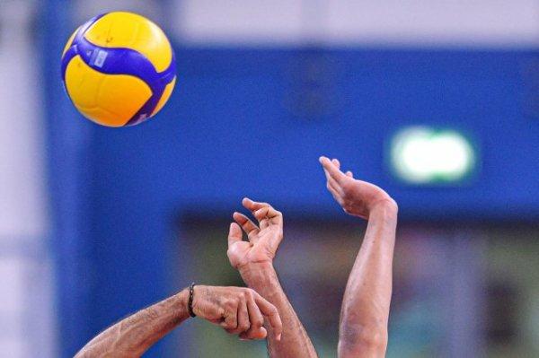 Российские волейболисты вышли в четвертьфинал ЧЕ