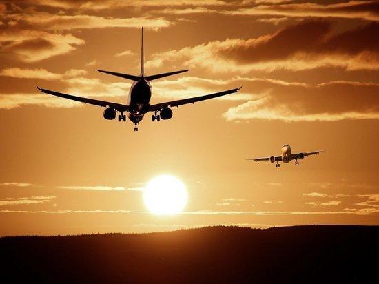 Пассажиры аварийно севшего в Красноярске самолета вылетели резервным бортом