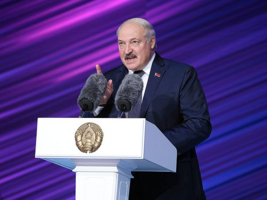 Лукашенко поставил ультиматум Западу по