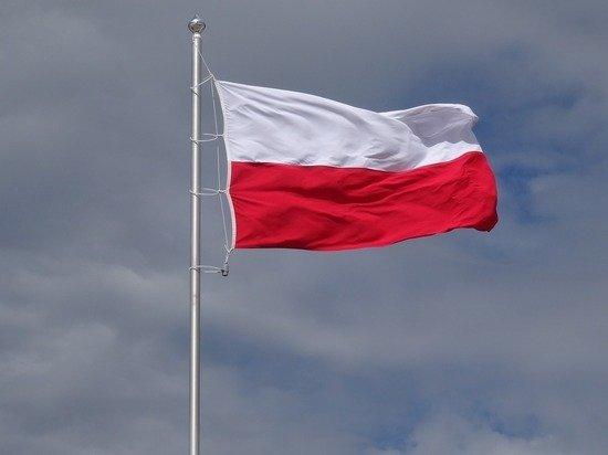 В Польше медики в знак протеста разбили палаточный городок возле здания правительства