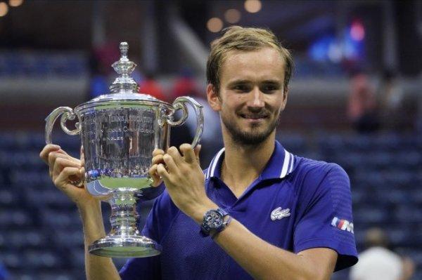 Медведев отобрался на итоговый турнир и заработал $2,5 млн за US Open