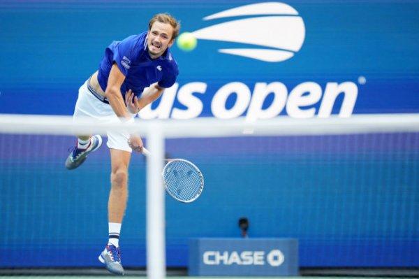 Медведев и Джокович: Какой путь проделали теннисисты на US Open