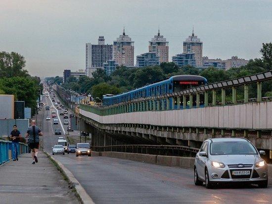 В Киеве отказались от идеи ввести в метро мужские и женские вагоны