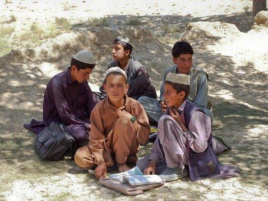 В Афганистане возобновилась работа школ для мальчиков и медресе