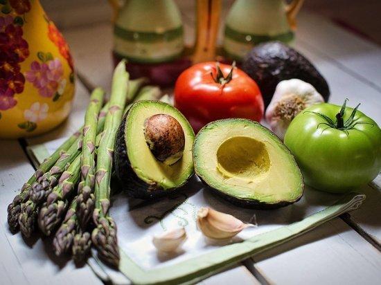 Турецкий врач назвал продукты для укрепления иммунитета осенью