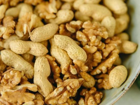 Назван худший орех для перекуса