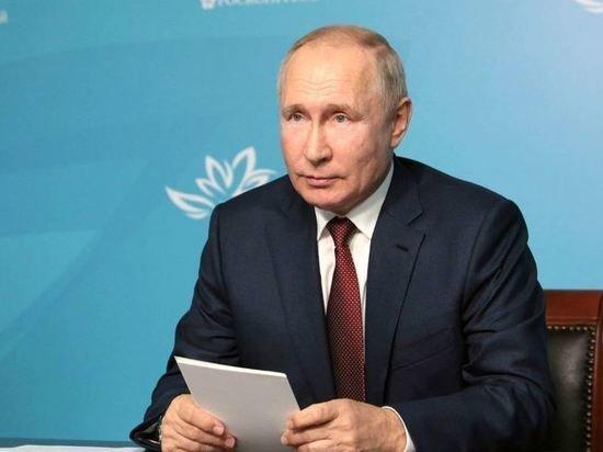 Путин выразил недовольство неисполнением поручений по космической отрасли