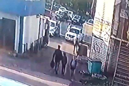 Появились подробности инцидента с пропажей двух российских школьниц
