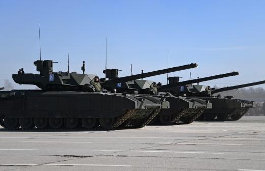 Казанские военные прокатили на танке шестилетнего мальчика и его брата