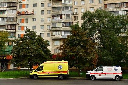 Россиянин облил себя бензином, поджег дом и заперся в помещении с гранатой