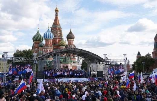 Путин отклонил шуточную просьбу оставить подпись в чужом паспорте
