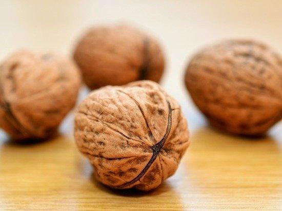 Названы два побочных эффекта от употребления грецких орехов
