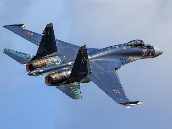 В США назвали преимущества Су-35, в сравнении с американским F-22