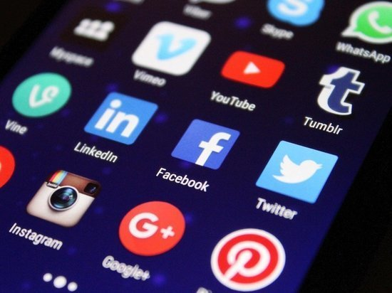 Основатель Facebook Цукерберг отверг обвинения в пренебрежении безопасностью пользователей ради выгоды