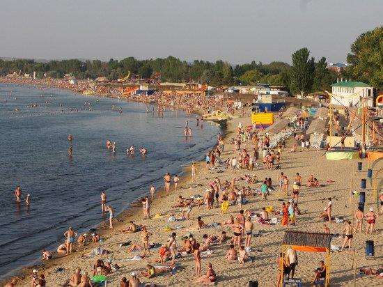 Россиянам объяснили разницу цен между поездками в Анапу и Турцию