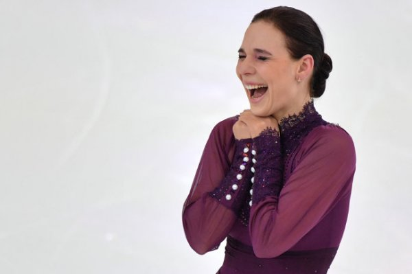 Фигуристка Леонова объявила о завершении карьеры и беременности
