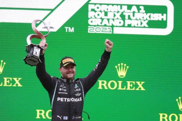 Боттас выиграл Гран-при Турции, Хэмилтон потерял лидерство в общем зачете