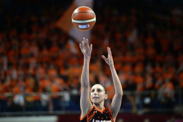 Экс-баскетболистка УГМК Таурази признана величайшим игроком женской НБА