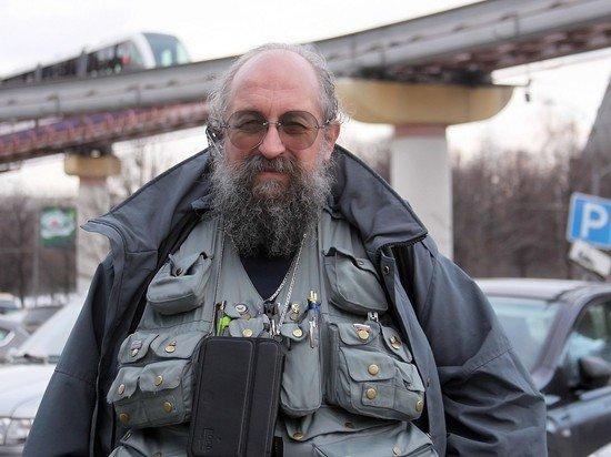 Вассерман пришел на заседание Госдумы без фирменного жилета