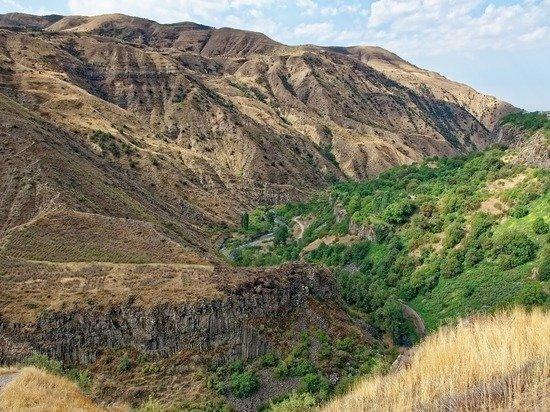 Армения заявила об атаке Азербайджаном приграничного села
