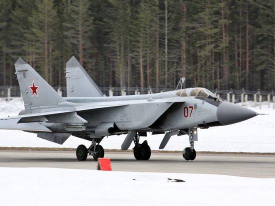 Россия подняла МиГ-31 для сопровождения бомбардировщика США