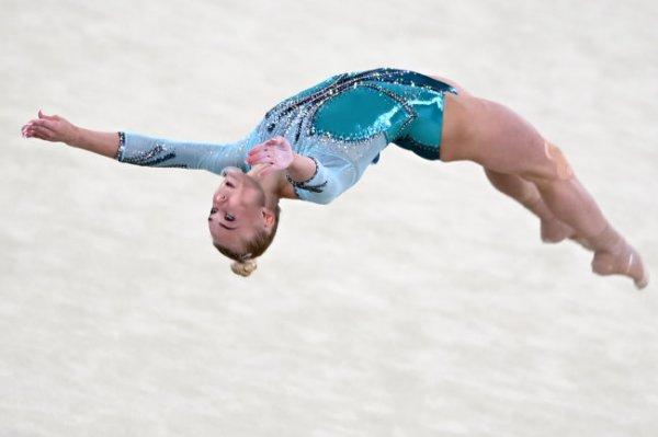 Российская гимнастка Мельникова вышла в финал личного многоборья на ЧМ