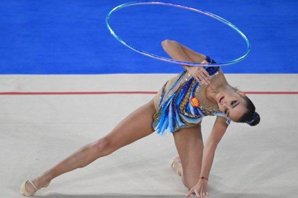 Дина Аверина стала чемпионкой мира в упражнении с обручем