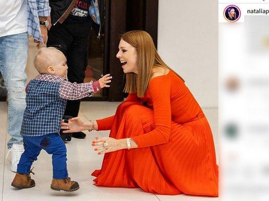 Наталья Подольская показала первые шаги младшего сына