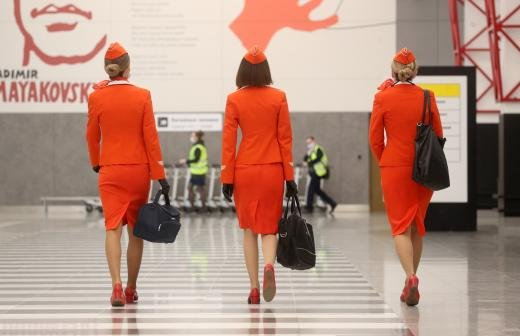 Экипажи «Аэрофлота» начали переодеваться в пассажиров бизнес-класса
