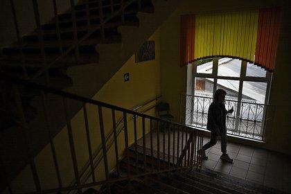 Старшеклассники сломали позвоночник восьмилетнему ребенку в российской школе