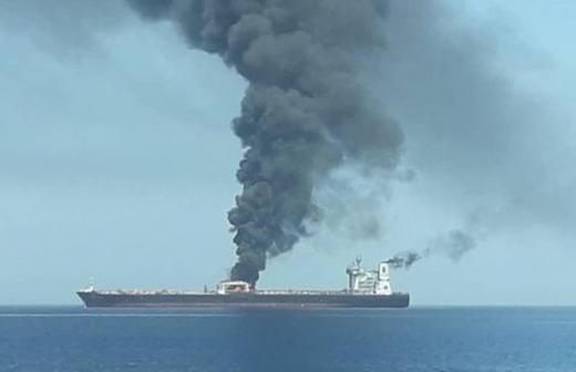СК возбудил дело по факту воспламенения на танкере в Иркутской области